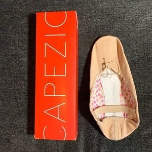 Capezio adult women's size 7 ballet slippers